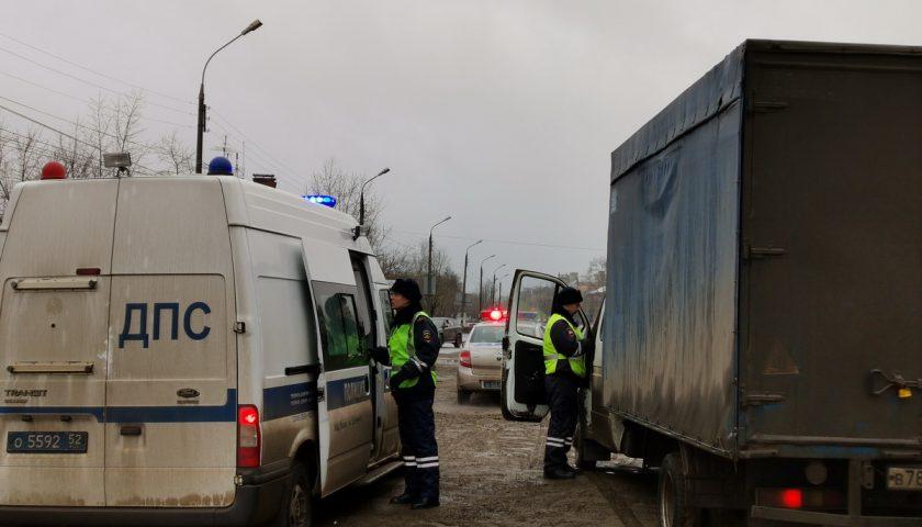 Автоинспекторы вместе с судебными приставами проверили водителей на наличие задолженностей